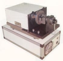Cracktronic Resonant Fatigue Testing Machine